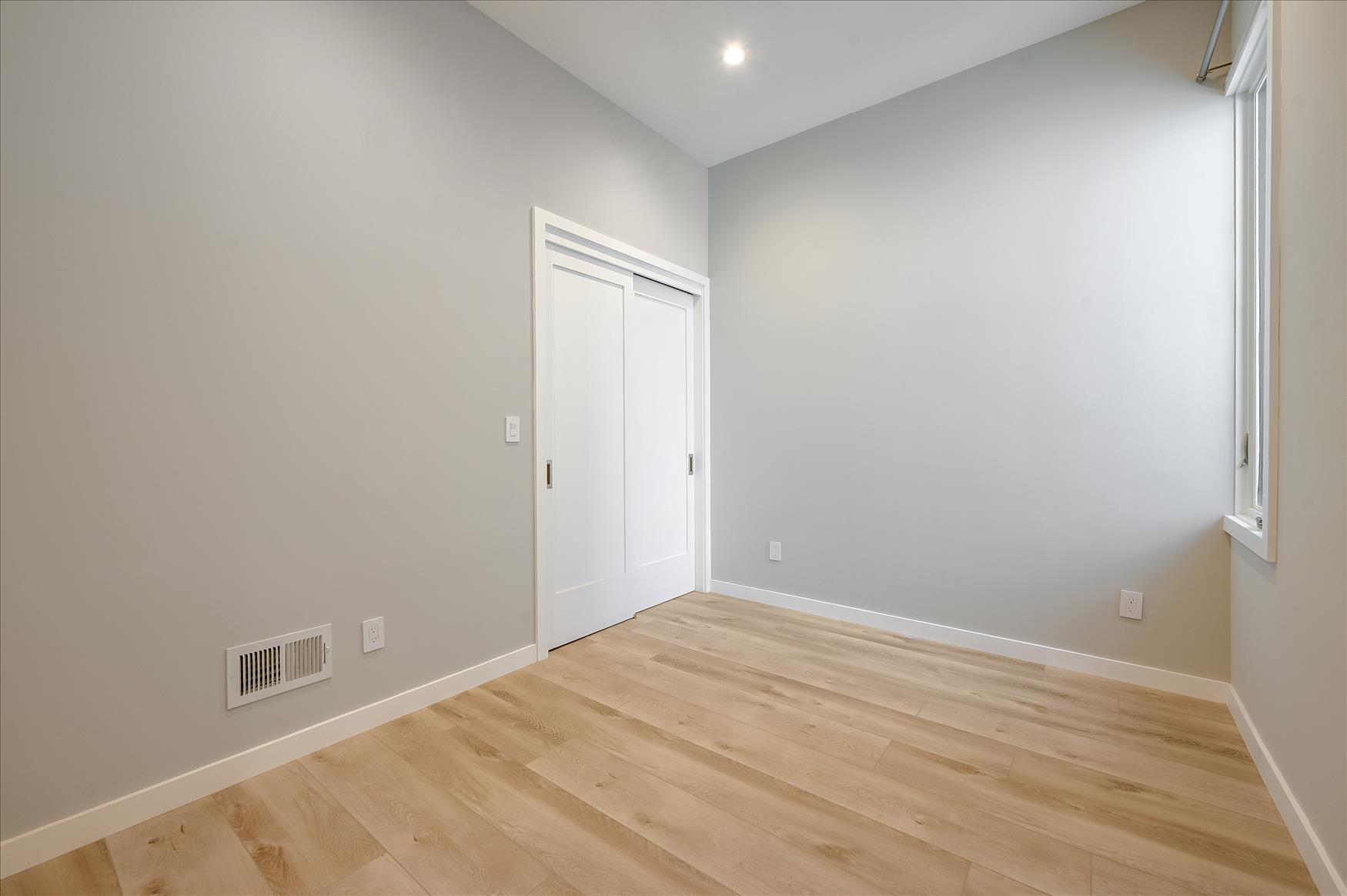 Listing 4892 : 3648  20th Street, San Francisco, CA, 94110  (photo 12)