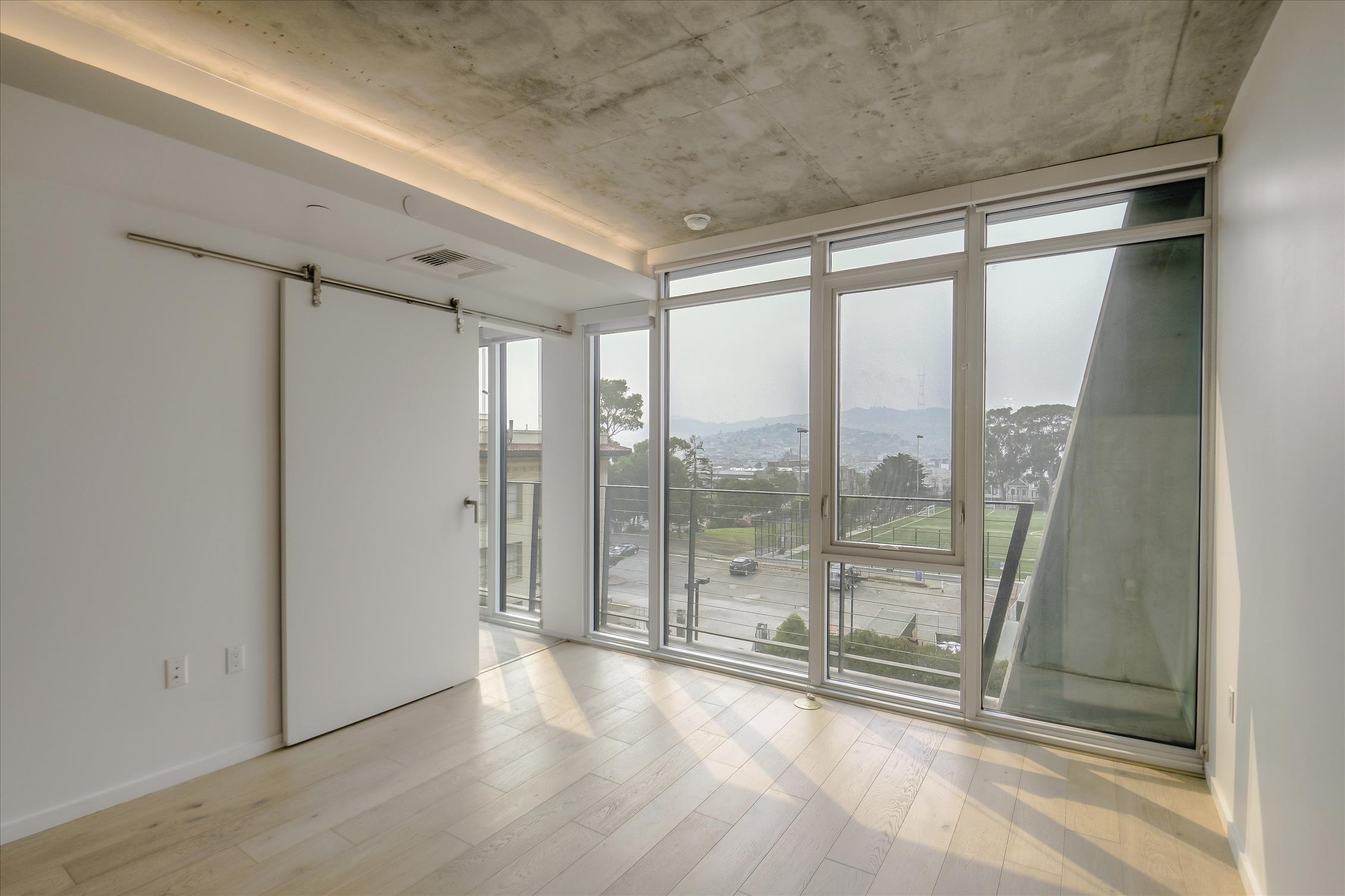 Listing 3552 : 299  Fremont Street #TH5, San Francisco, CA, 94105  (photo 4)