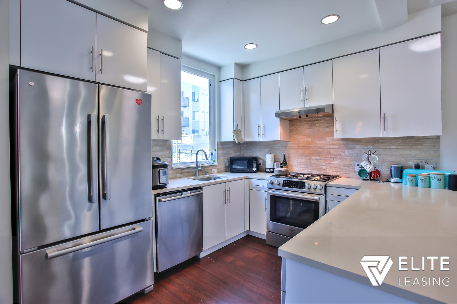 Listing 4722 : 501  Beale Street #16D, San Francisco, CA, 94105  (photo 5)