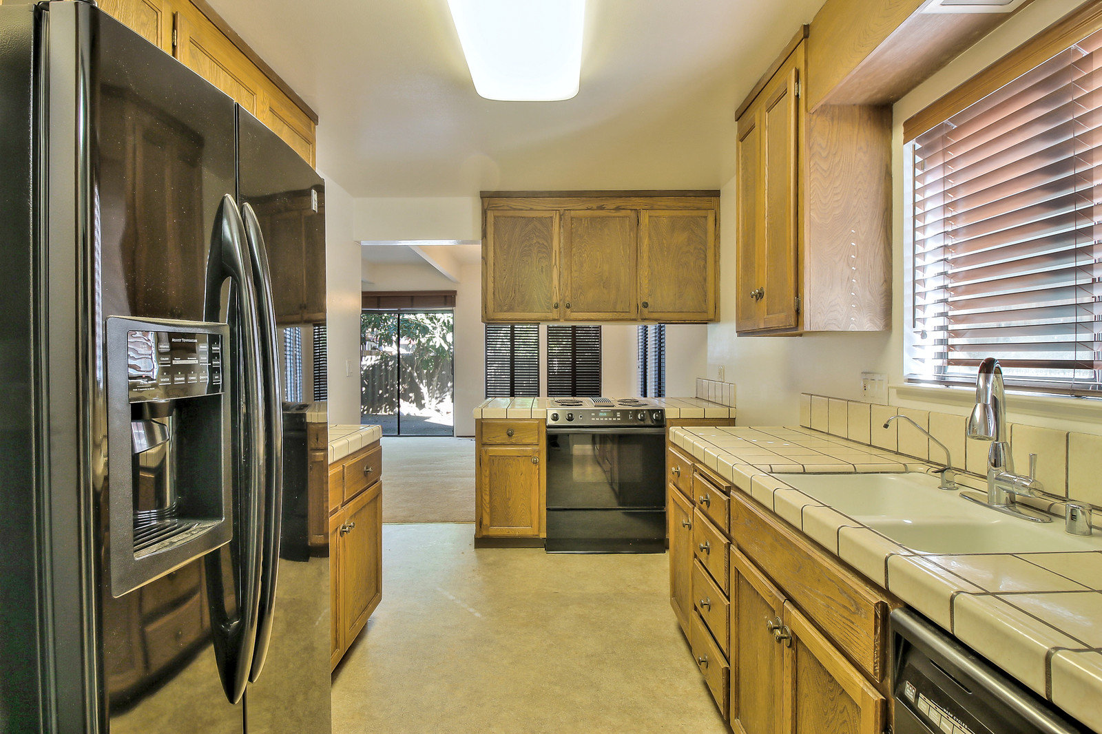 Listing 4221 : 3574  19th St , San Francisco, CA, 94110  (photo 5)